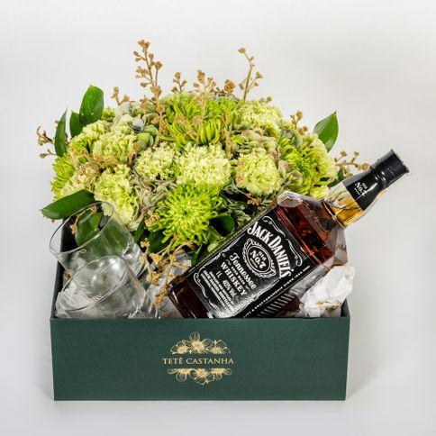 Jack-Daniel-s-II-flores-verdes-e-folhagens..