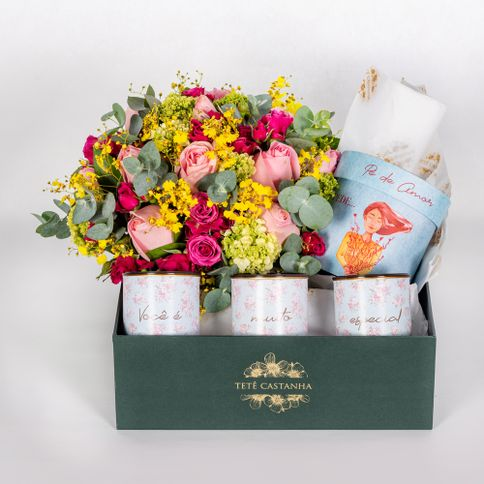 Premium-II-Flores-Variadas-e-Bolachinhas..
