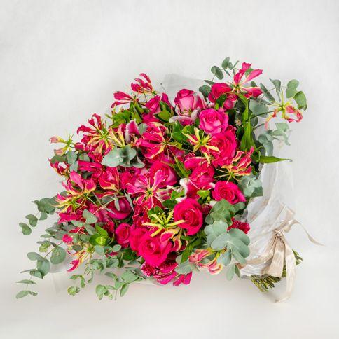 Bouquet-extra-grande-com-rosas-pink-e-mix-de-flores--3-