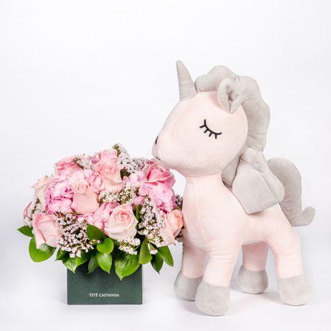 Arranjo-Maternidade-Petit-Grils---Unicornio-Bubu--2-